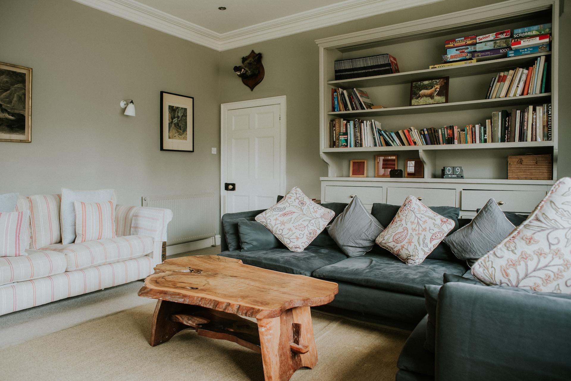 *03.1 074-deanscourt_gatehouse(C)EmmaDavenport.jpg