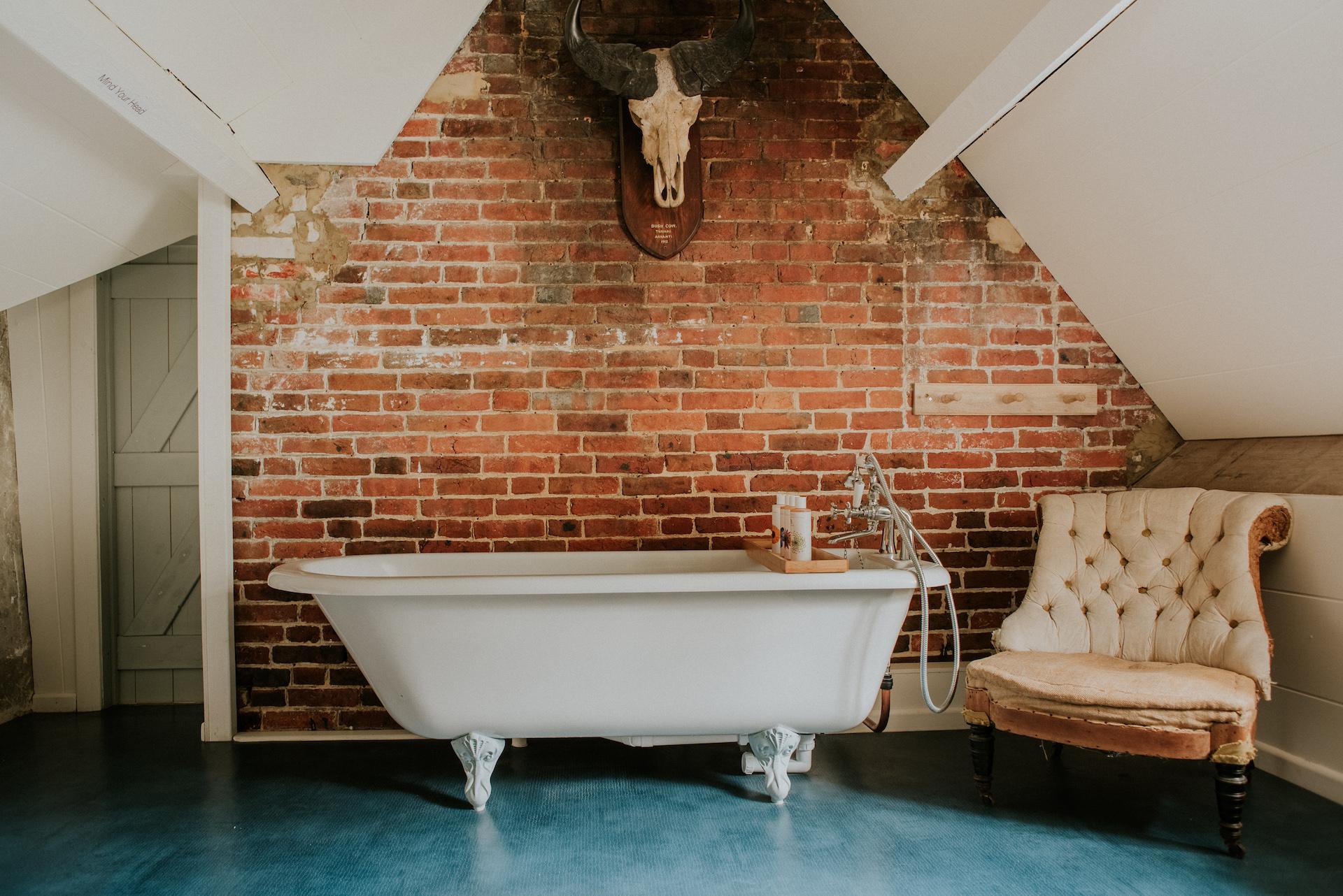 *09 005-deanscourt_gatehouse(C)EmmaDavenport.jpg