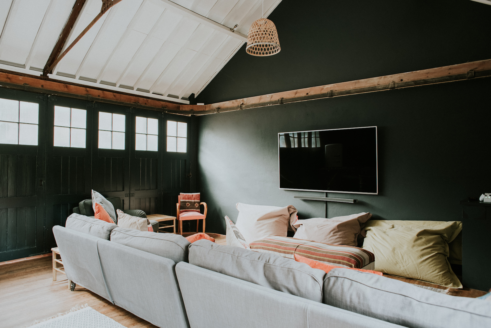 *10 052-deanscourt_gatehouse(C)EmmaDavenport.jpg