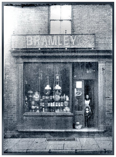 Bramley's shop, 356 Nottingham Road, Ilkeston c.1901