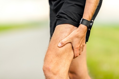 painful-injury-runners-physical-muscle-pain-PV2NRFT.jpg