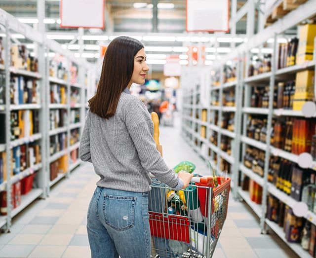 What does a healthy grocery list entail for one person: ⁣ ⁣ ✅ Dairy: Gallon of milk, Carton of eggs, Cheese block, Yogurt⁣ ⁣ ✅ Fruit: Apples, Bananas, Veggies, Carrots⁣ ⁣ ✅ Meat: Chicken breast, Fresh or frozen fish⁣ ⁣ ✅ Grains: Loaf of bread, Dry pasta, Brown rice