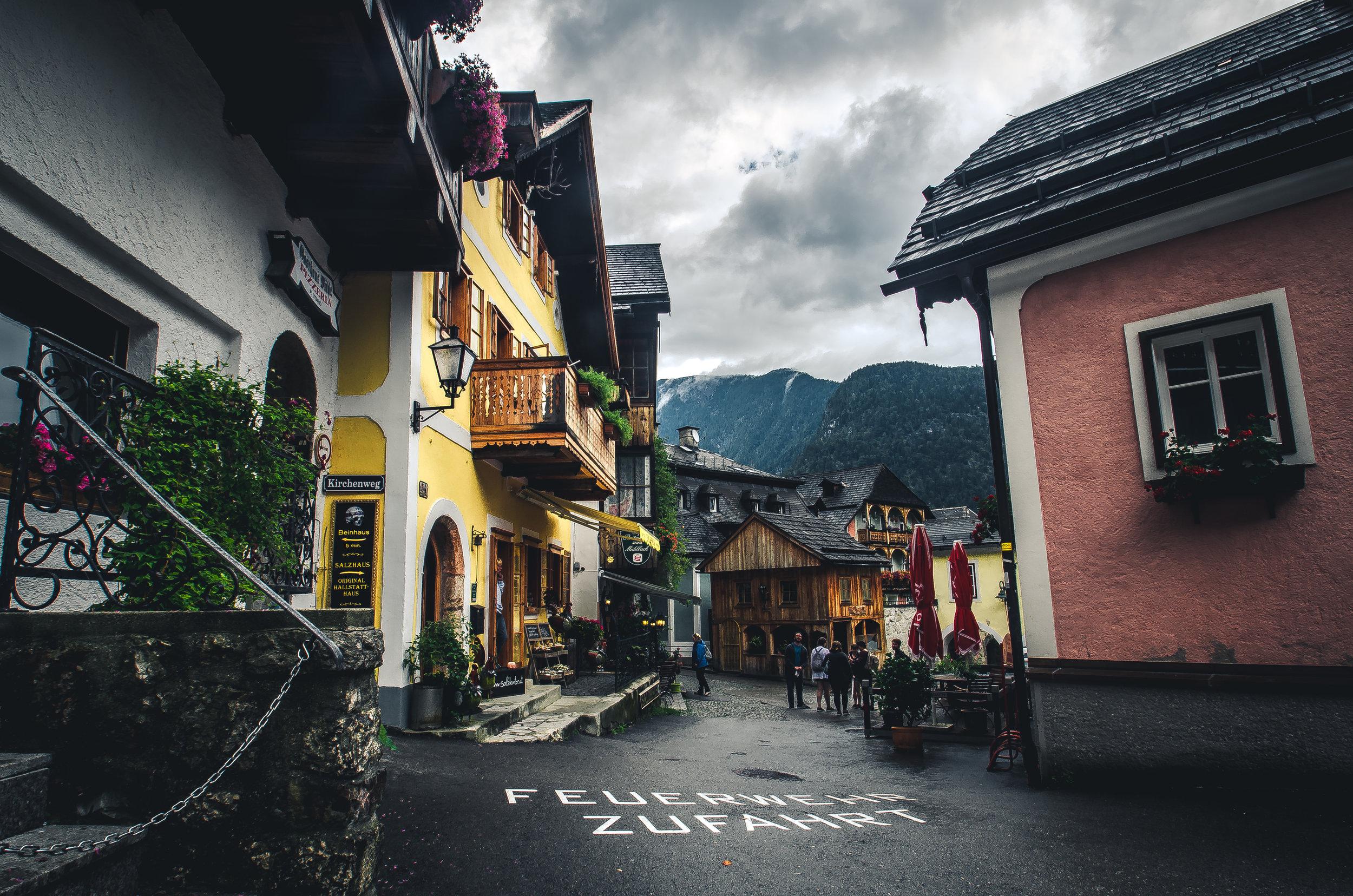 hallstatt_village_austria.jpg