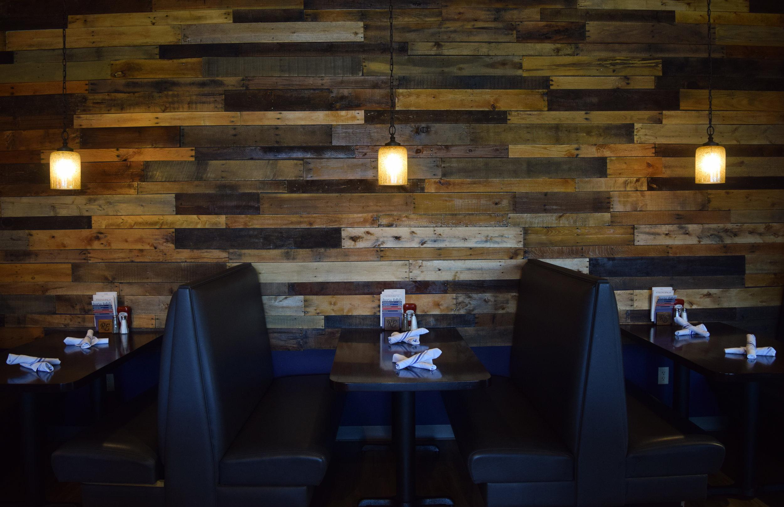 dining room misc 3.jpg
