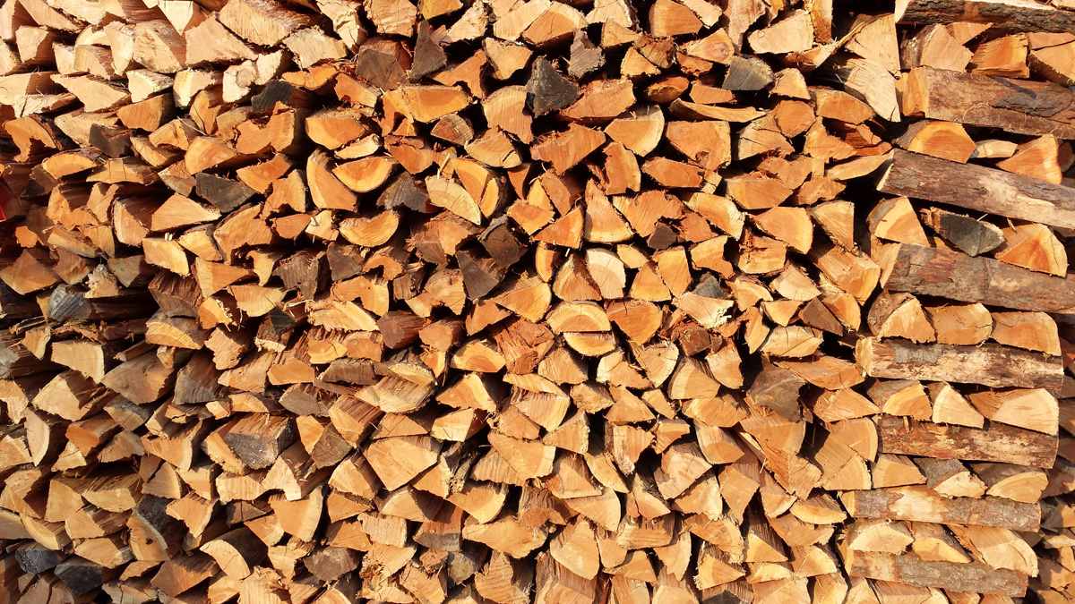 stacked-firewood-after-scarsdale-delivery.jpg