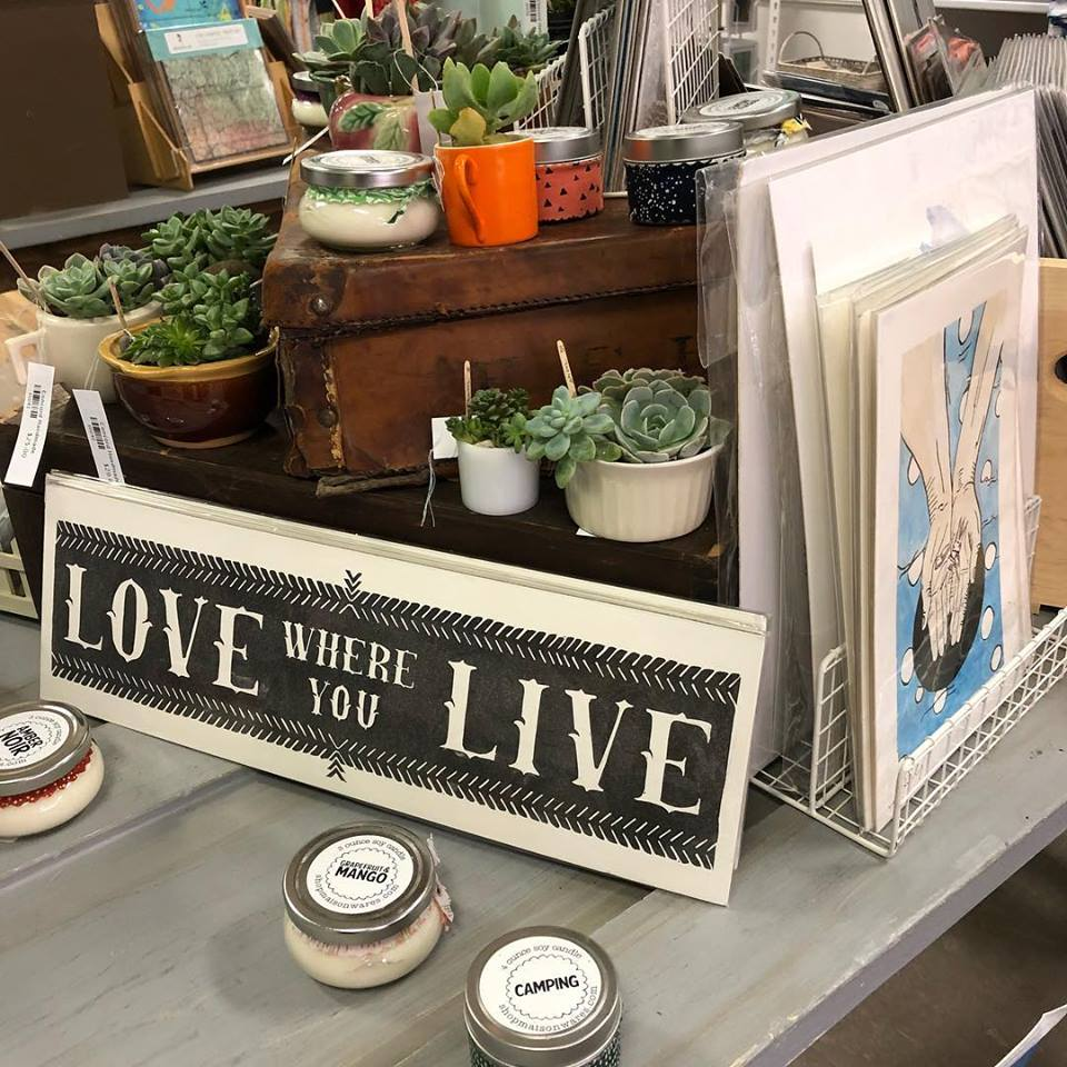 Are you one of the devotees of Concord Handmade, the annual seasonal pop-up shop that carries handmade gifts and goodies?! I know I am. Every year I look forward to going through the new crop of amazing and well selected goods brought to us by local entrepreneur and owner Alison Murphy.
