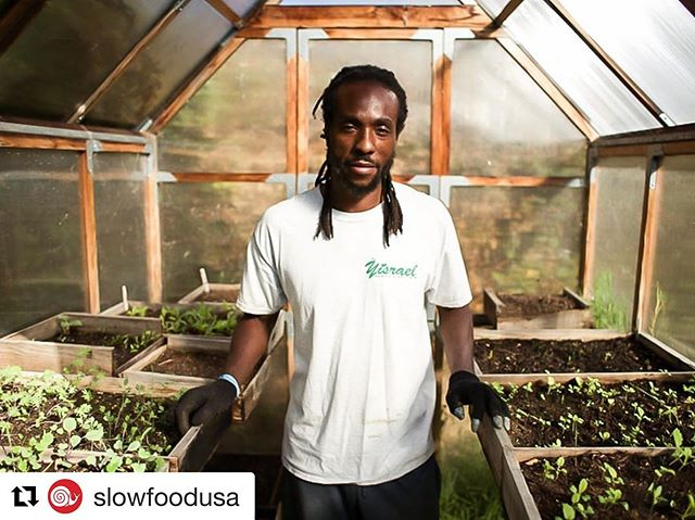 """Congrats to our board President for being a Snailblazer! Visit @slowfoodusa for the whole story. ・・・ """"When you're talking about changing the way you eat, you're changing people's minds. It's a lifestyle change. It's social. It's economic. It's political. It's spiritual."""" — Chanowk Yisrael   Chanowk is the recipient of the 2019 Snailblazer award for Family Farming. His recognition of what it means to change the way people eat is crucial to understanding how to encourage people towards healthy and sustainable eating habits. You can read our 2016 interview with Chanowk and learn more about his work at the link in our bio.  Become a member today to support our Snailblazers and the very important, boots-on-the-ground work that they do in their communities and in the country!  #slowfood #snailblazer #familyfarmer #familyfarms #916snails #slowfoodsac"""