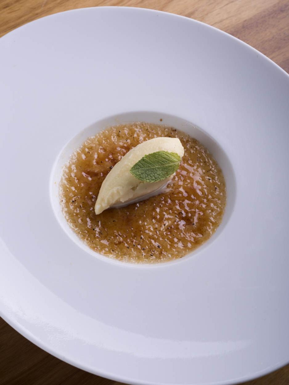 Leite creme crocante com gelado de baunilha de Madagascar - Ano 2017