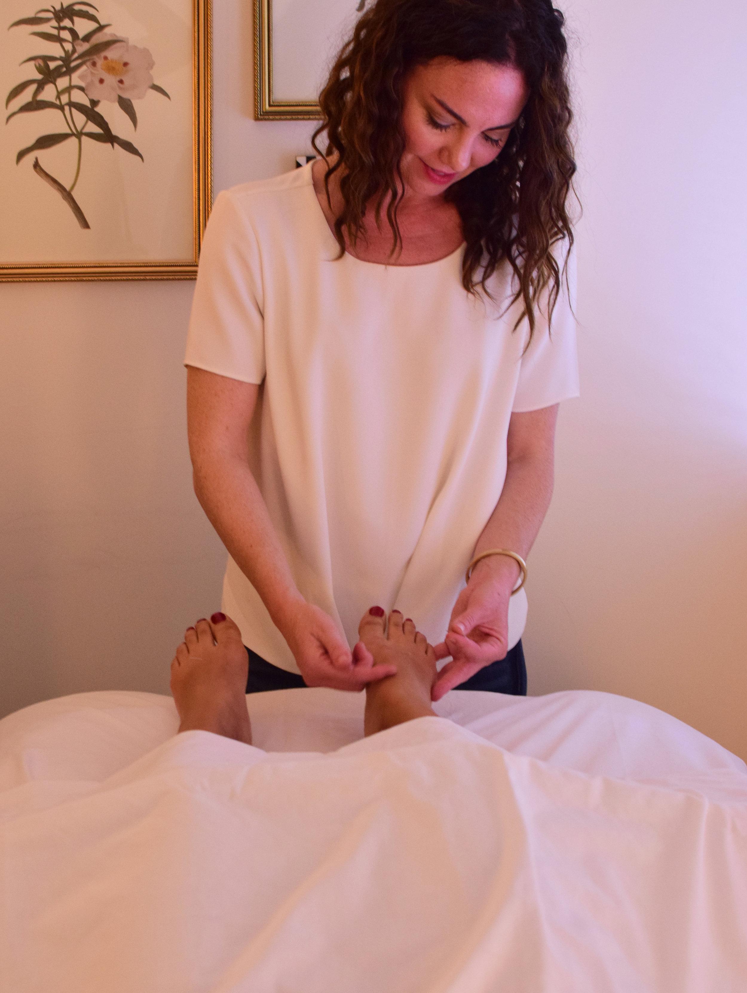 husami-integrative-acupuncture-san-diego-foot.jpg