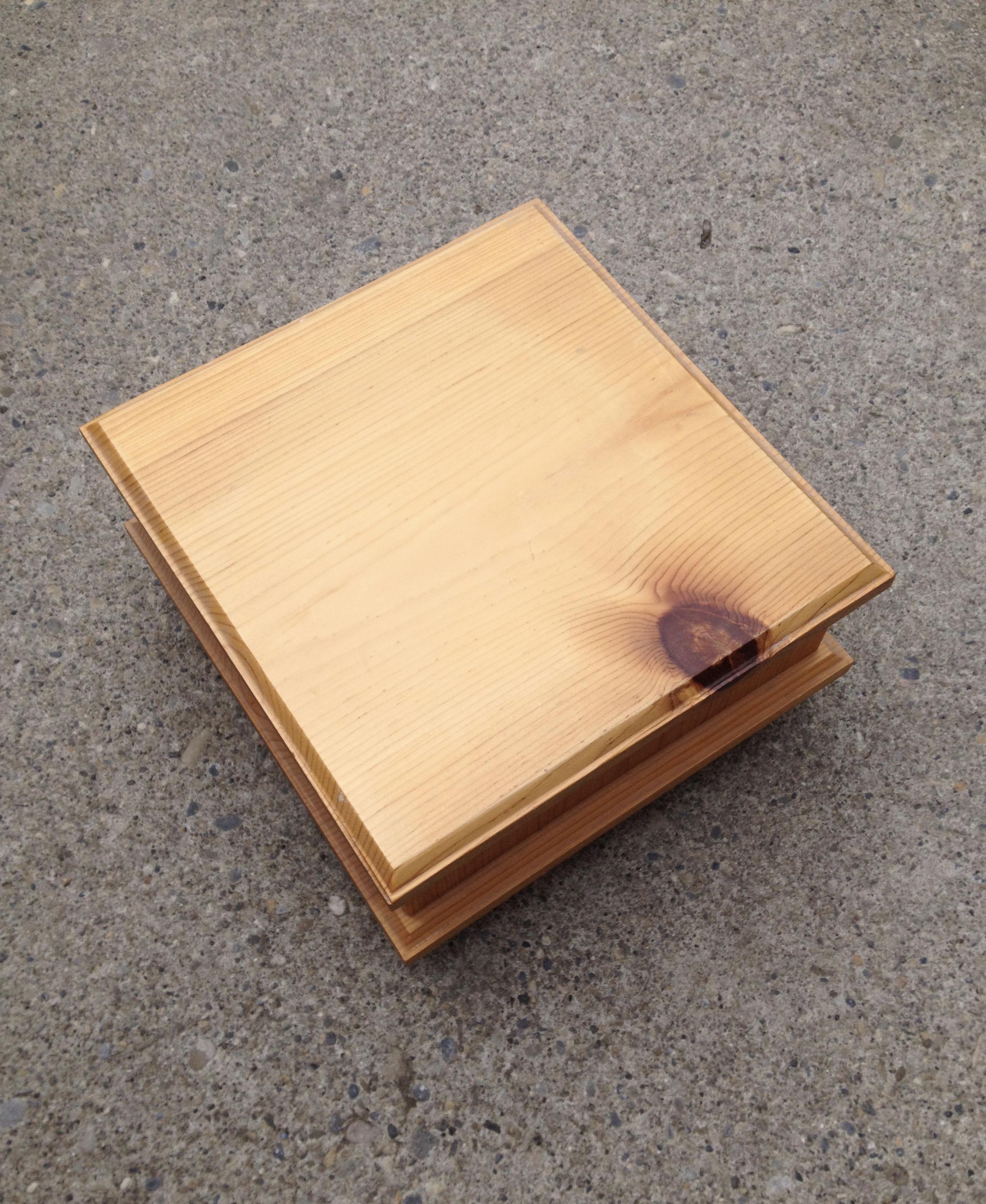 Electronic remote storage box