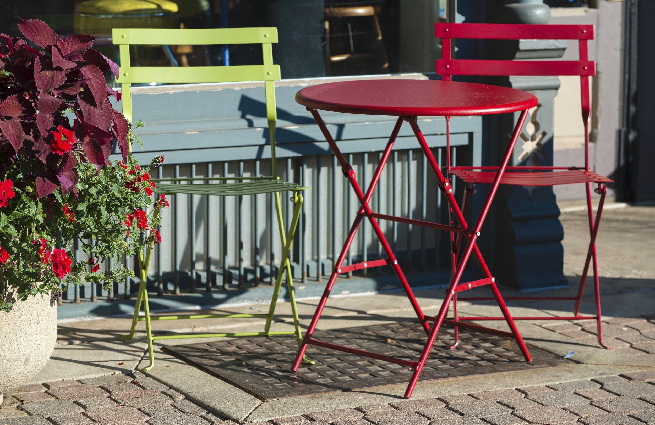 Sidewalkchairs.jpg