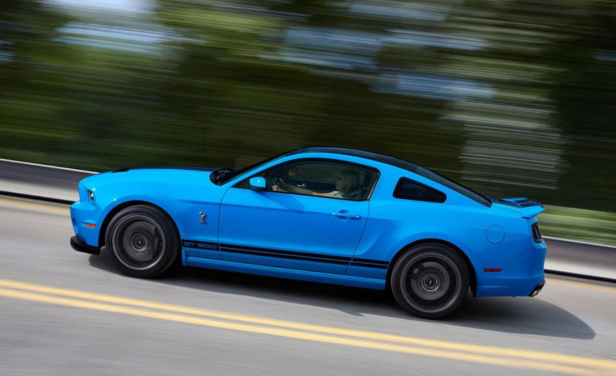 2013-ford-mustang-shelby-gt500.jpg