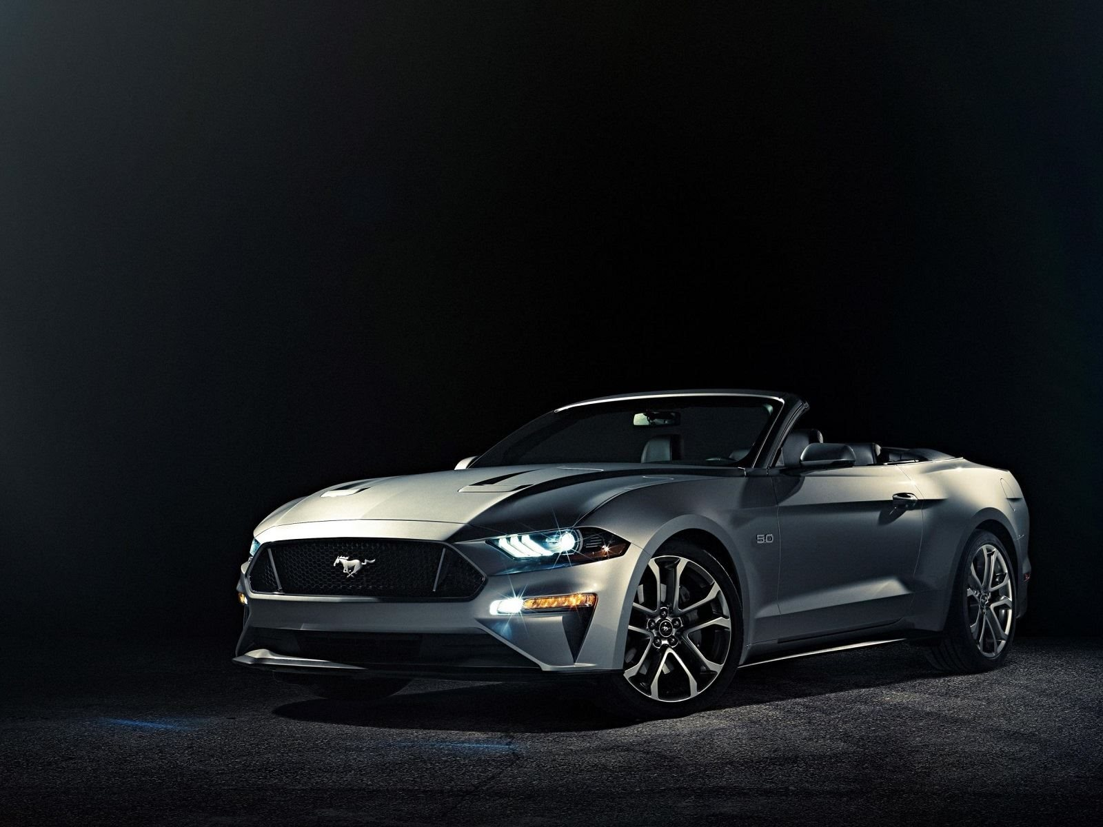 2018-ford-mustang-gt-premium-convertible.jpg