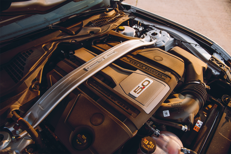 2018-ford-mustang-gt-v8-engine.png