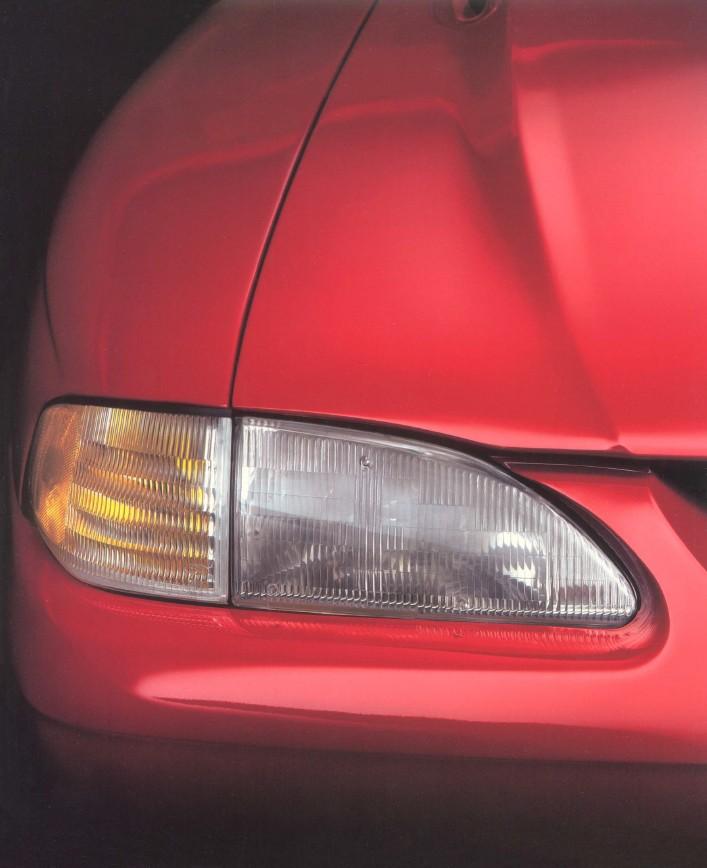 1994-ford-mustang-brochure-17.jpg