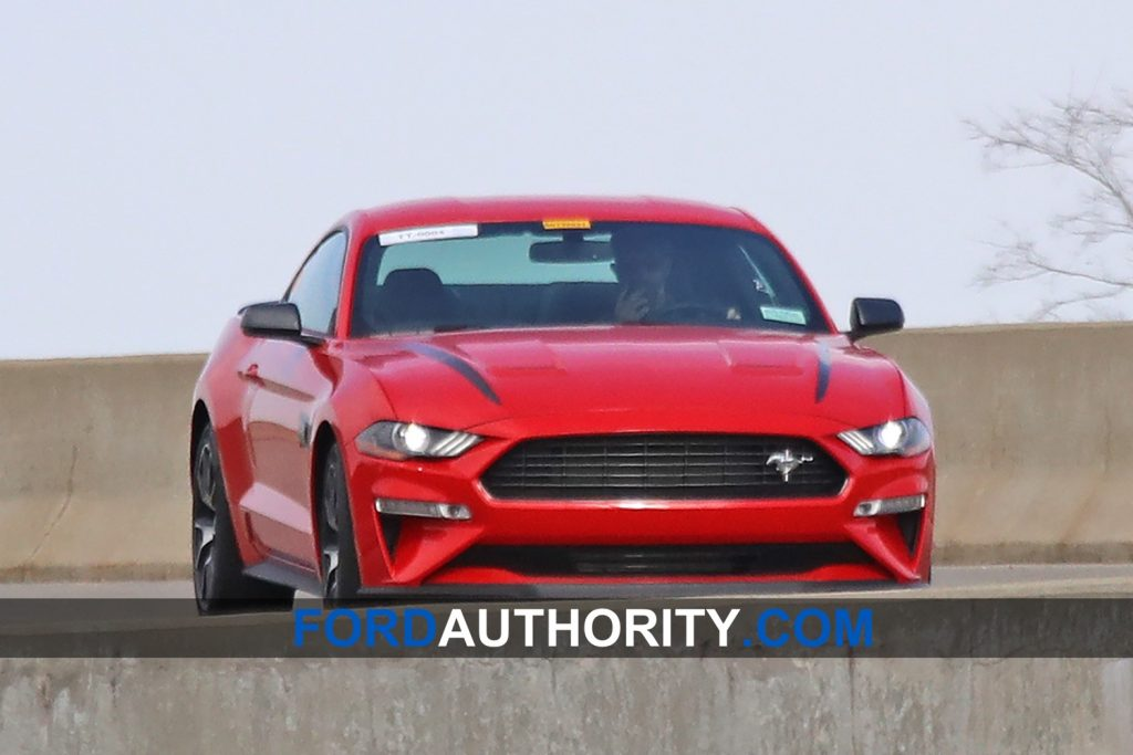 2020-ford-mustang-svo-spy-shot-01.jpg