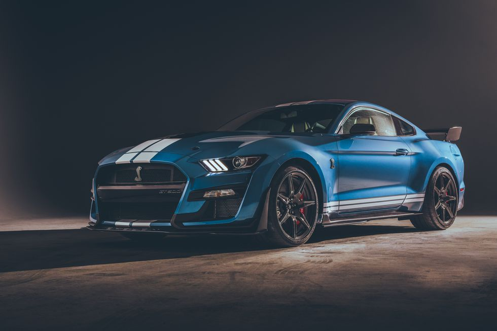 2020-ford-mustang-shelby-gt500-road-&-track.jpg