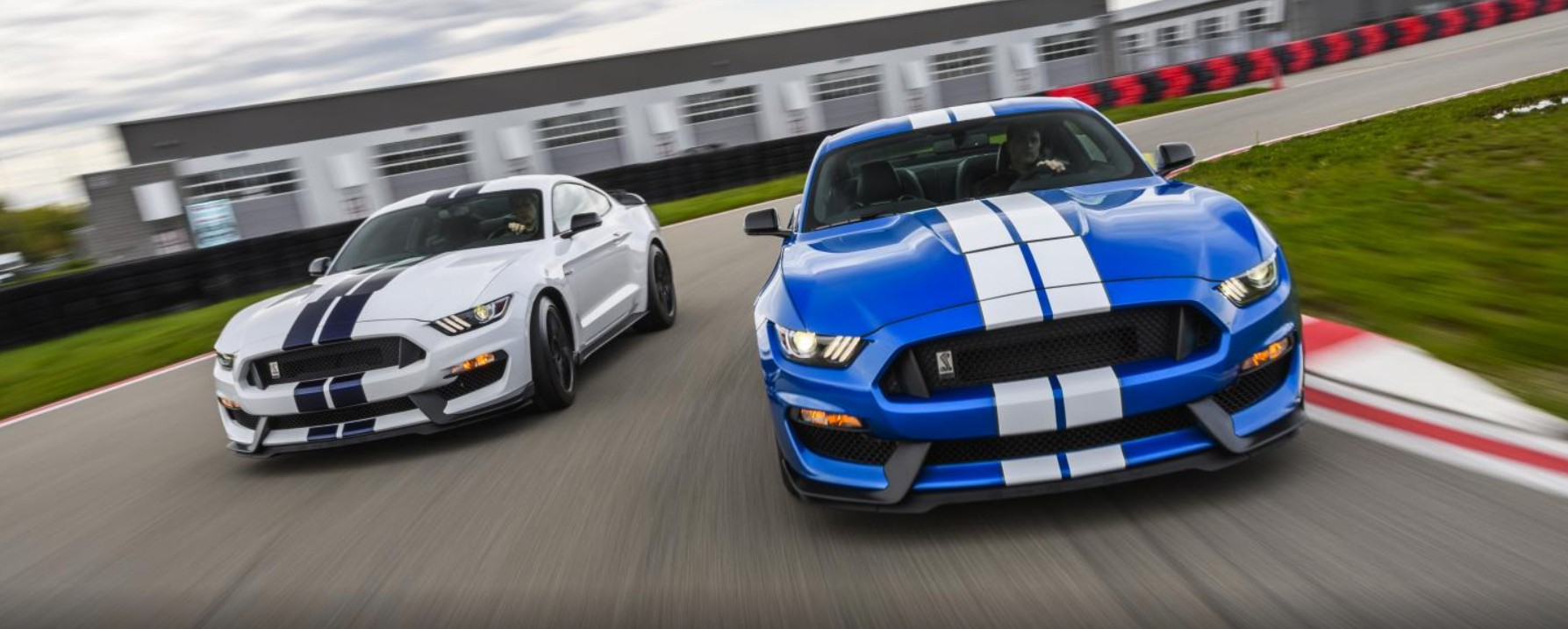 2019-ford-mustang-shelby-gt350-driven-fordnxt.jpg