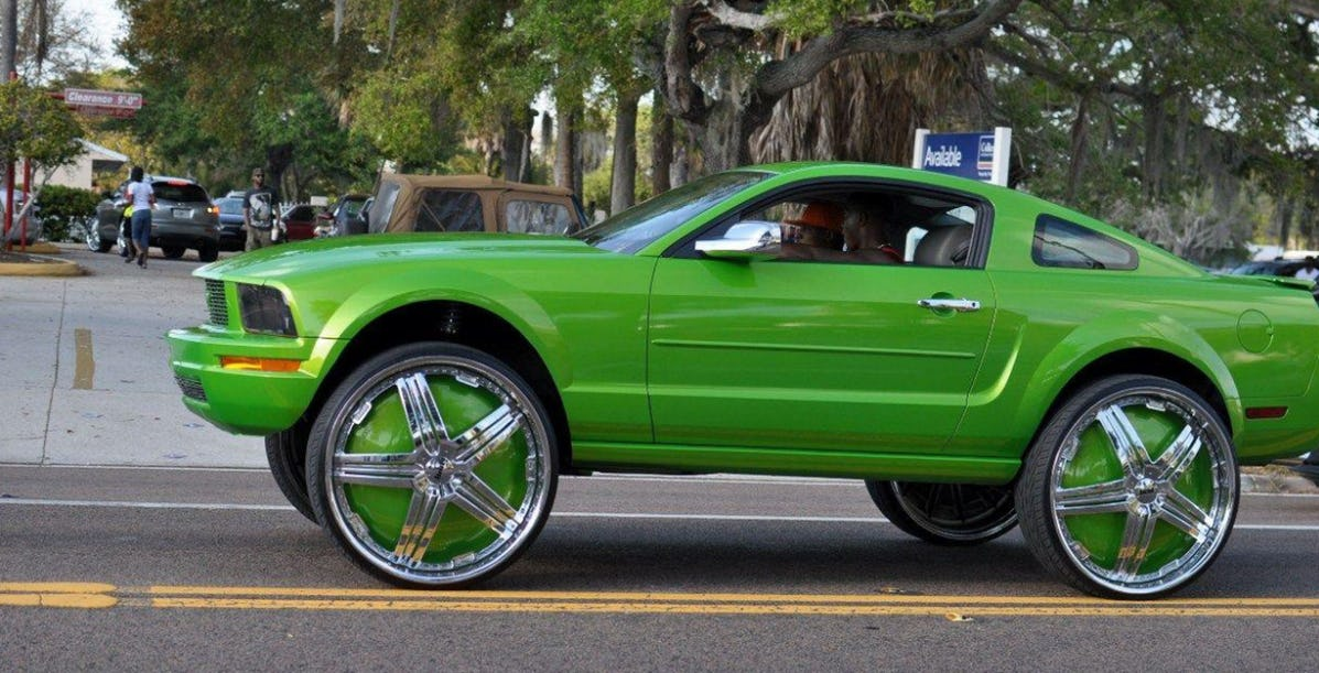 ford-mustang-pimp-my-ride.jpg