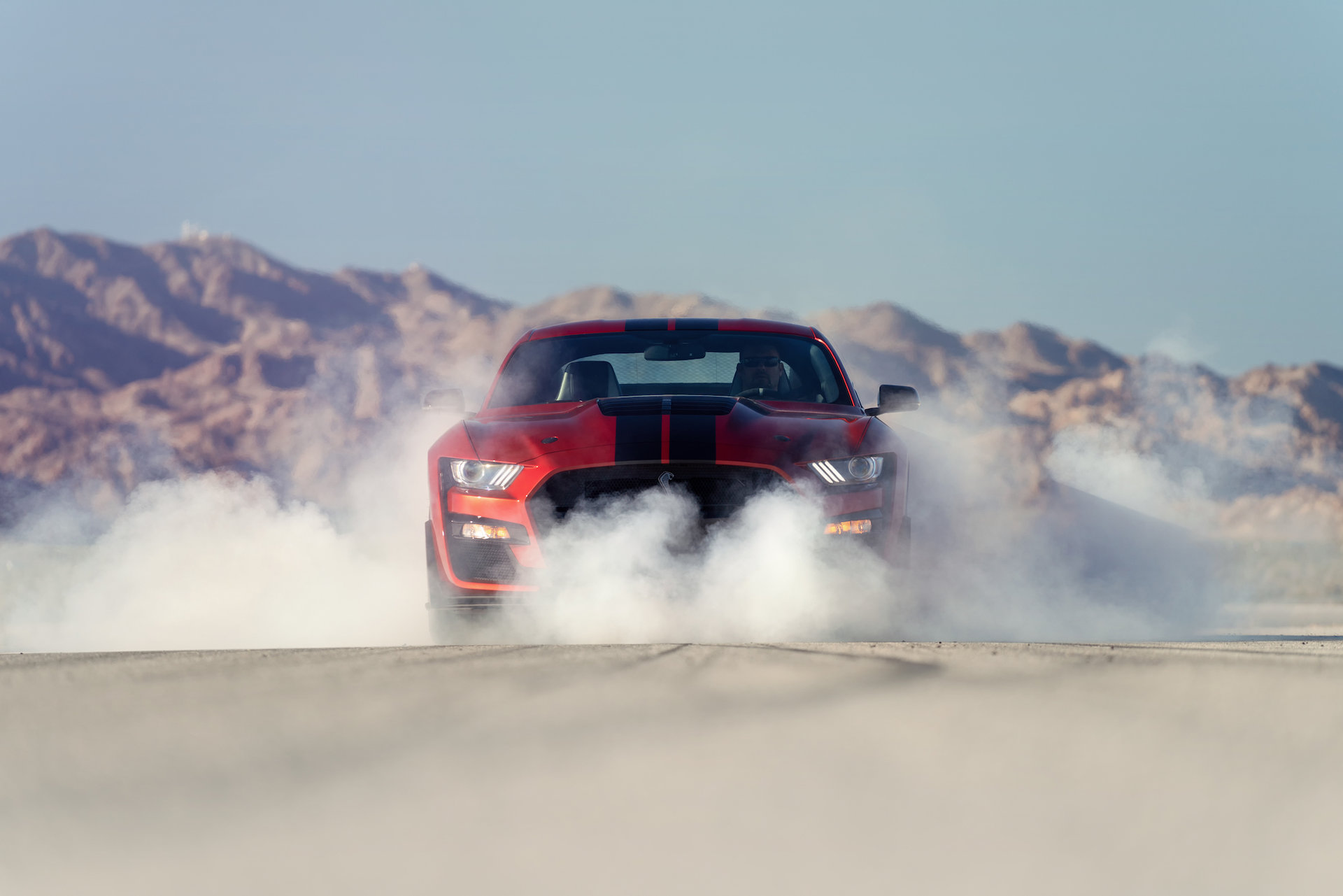 2020-ford-mustang-shelby-gt500-burnout.jpg