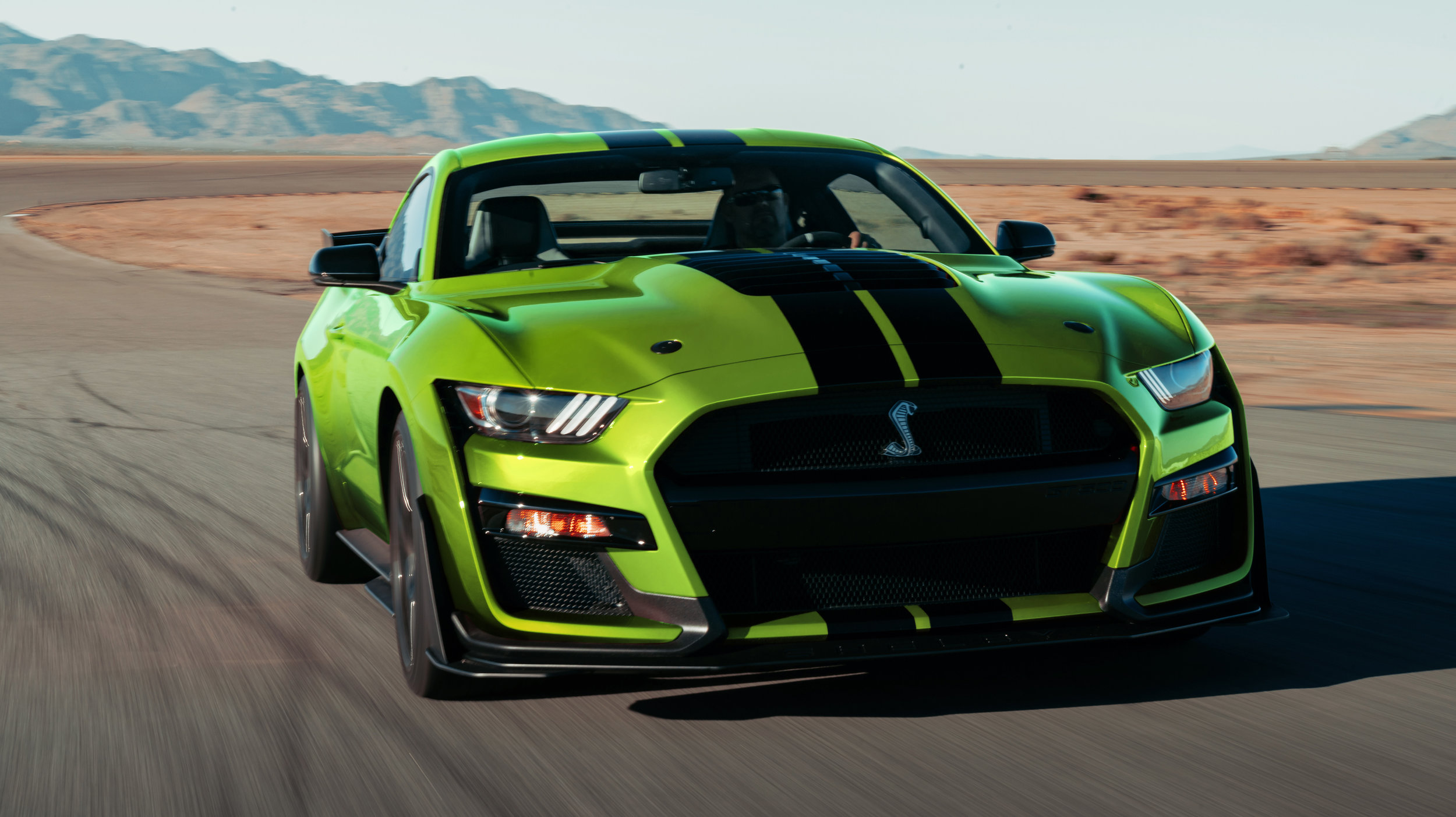 2020-ford-mustang-shelby-gt500-supercharged.jpg