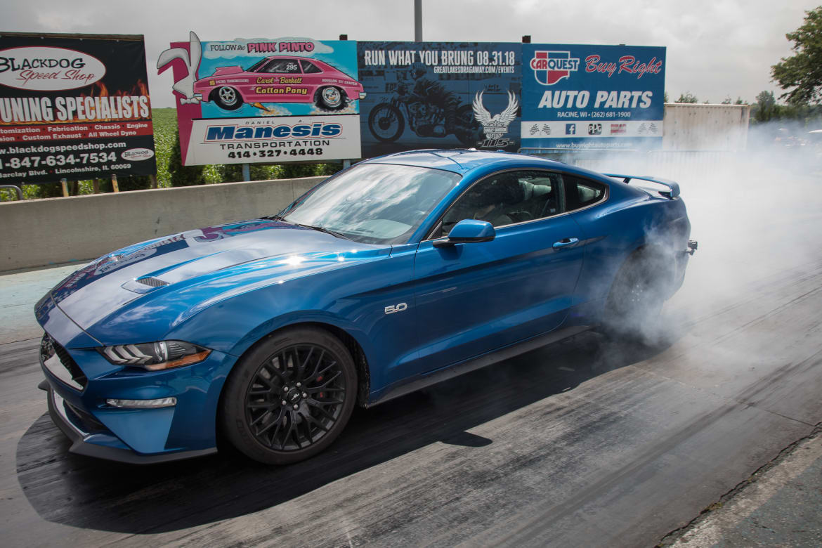 2018-ford-mustang-gt-pp1-vs-2019-dodge-challenger-rt-scat-pack-1320-drag-strip.jpg