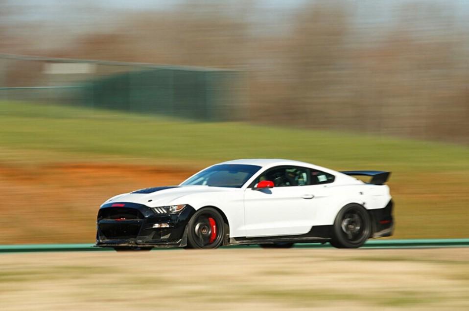 2020-ford-mustang-shelby-gt500-development-car.jpg