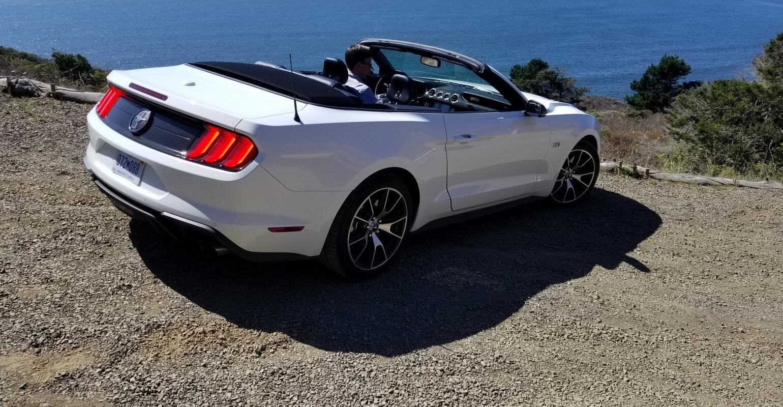 2020-ford-mustang-ecoboost-convertible-tom-murphy-wardsauto.jpg