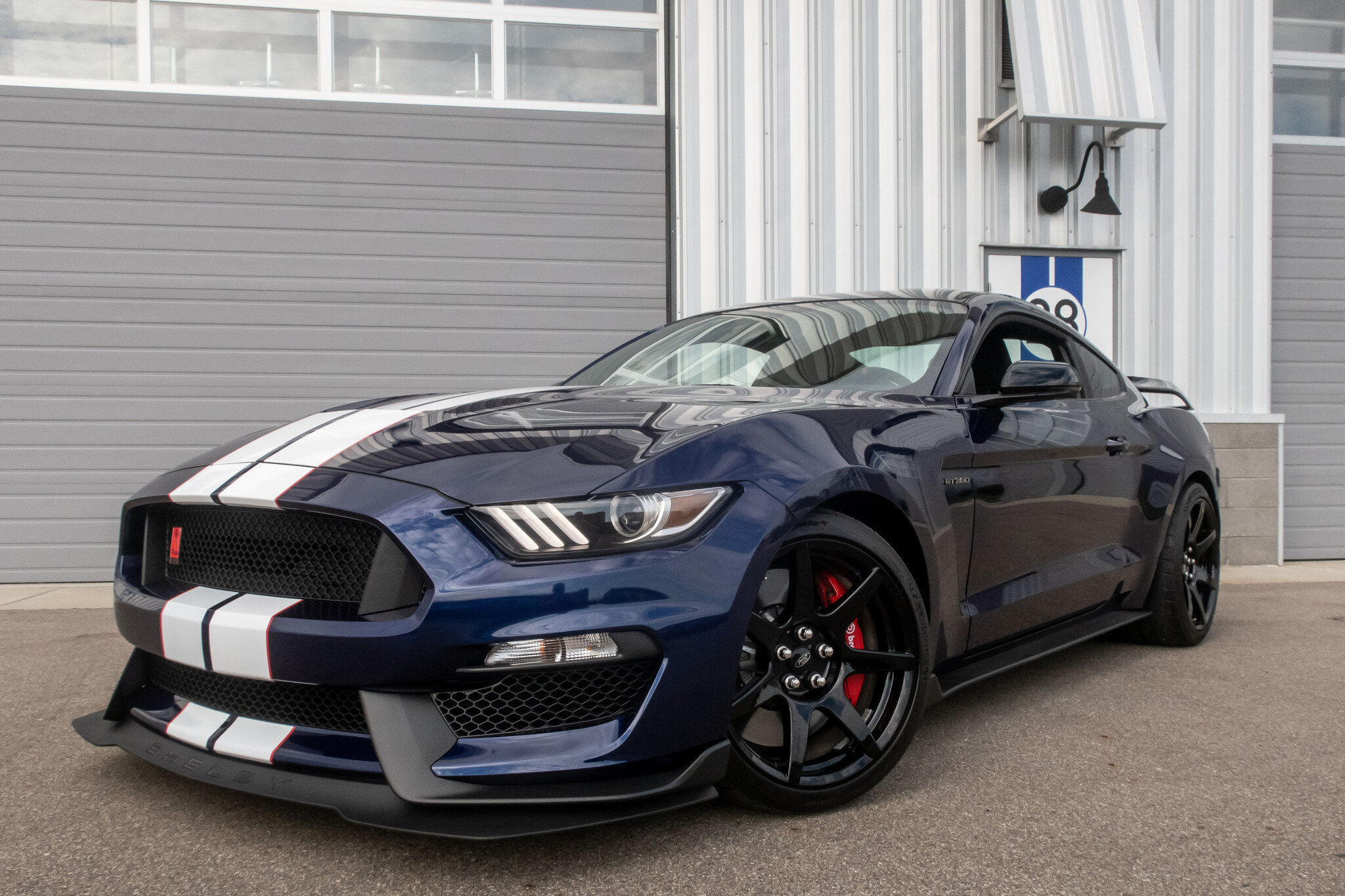 2020-ford-mustang-shelby-gt350r-track-ready-street-capable.jpg