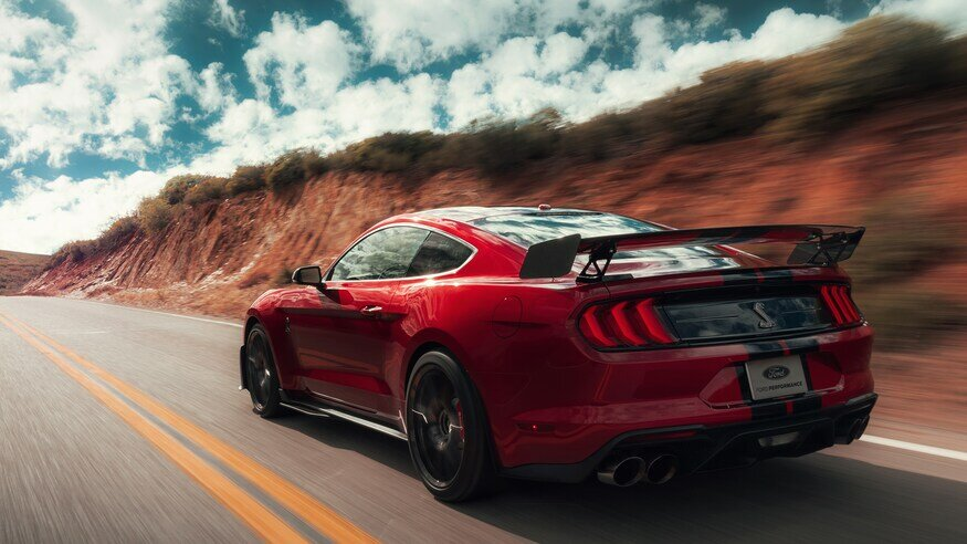 2020-ford-mustang-shelby-gt500-review-motor-trend.jpg