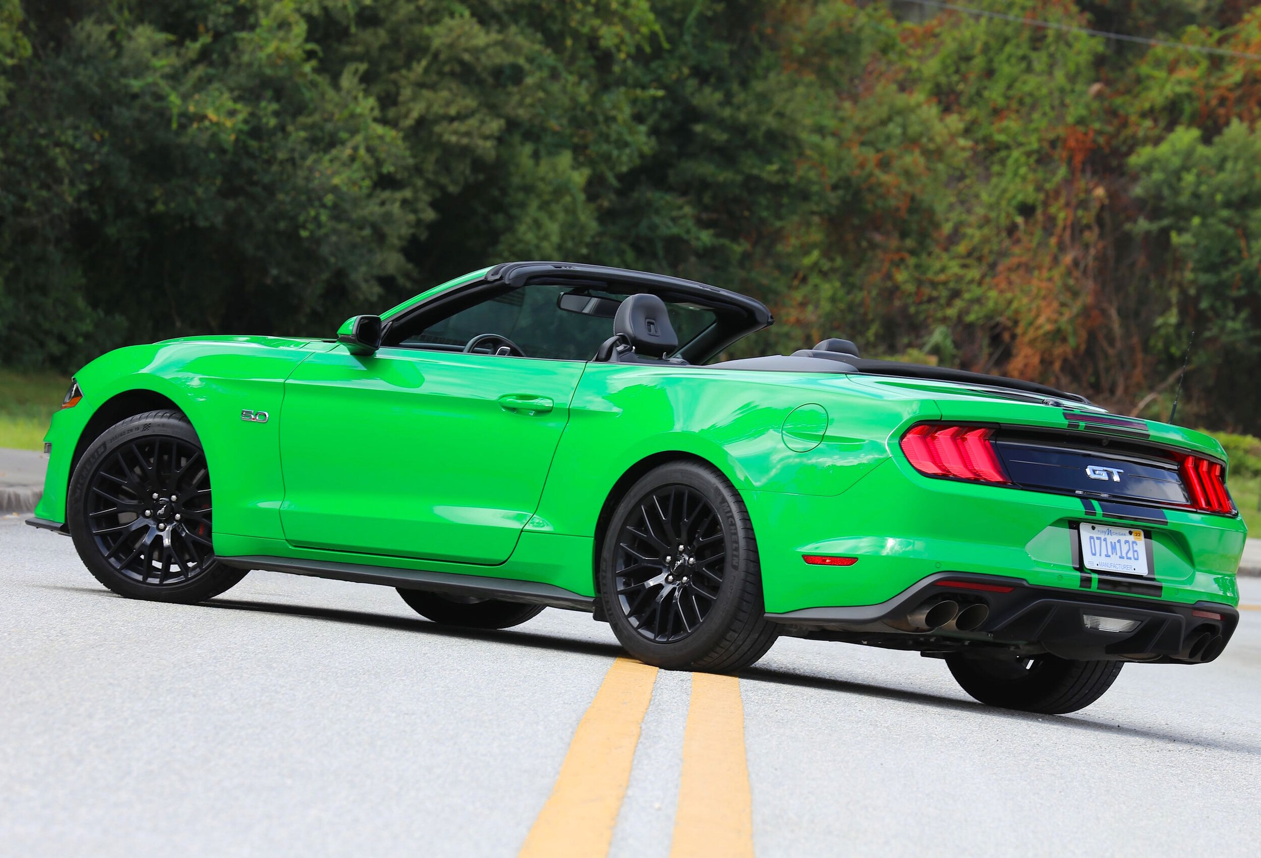 2019-ford-mustang-gt-convertible-need-for-green.jpg