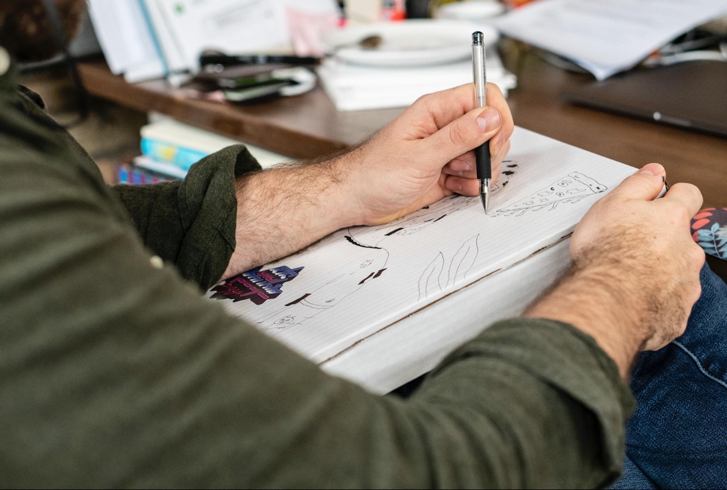 Drawing Club - HUGH LANGIS