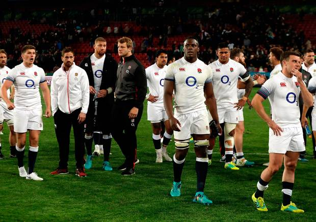 Some top England players, including Itoje, are responsible for ridiculous penalties and numerous errors.