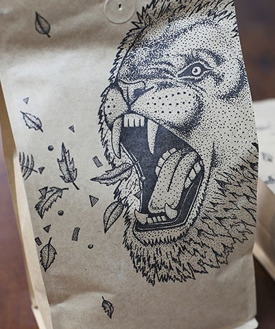 Lion-bag-close.jpg