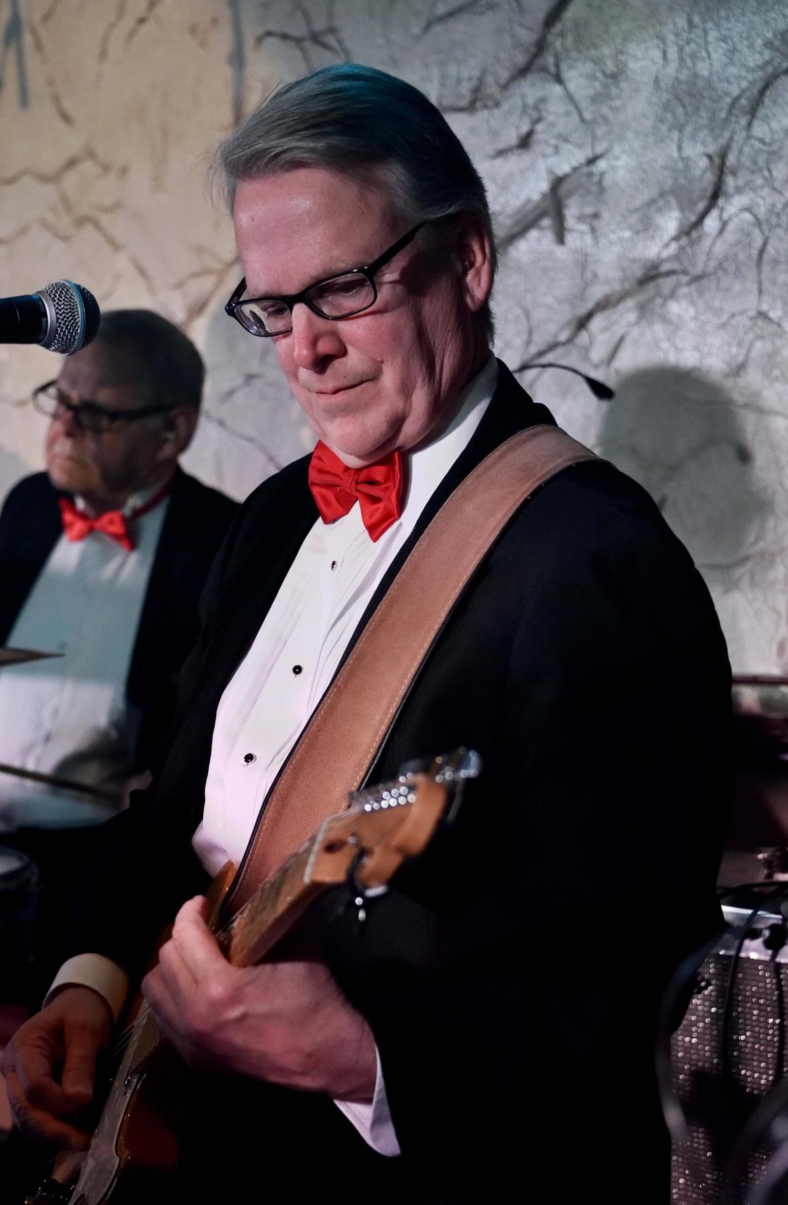 David Freeman - Guitar, Vocals