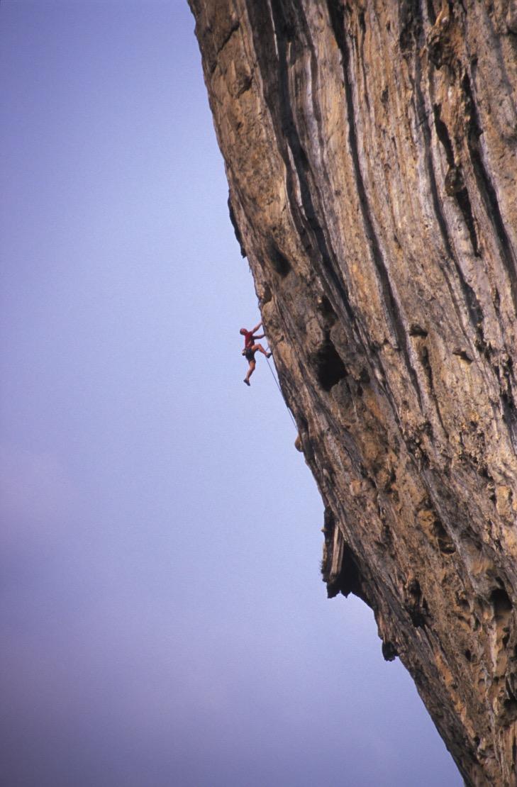 The Axeman 8a, White Mountain, Yangshuo, China.  Photo: Mike Robsertson