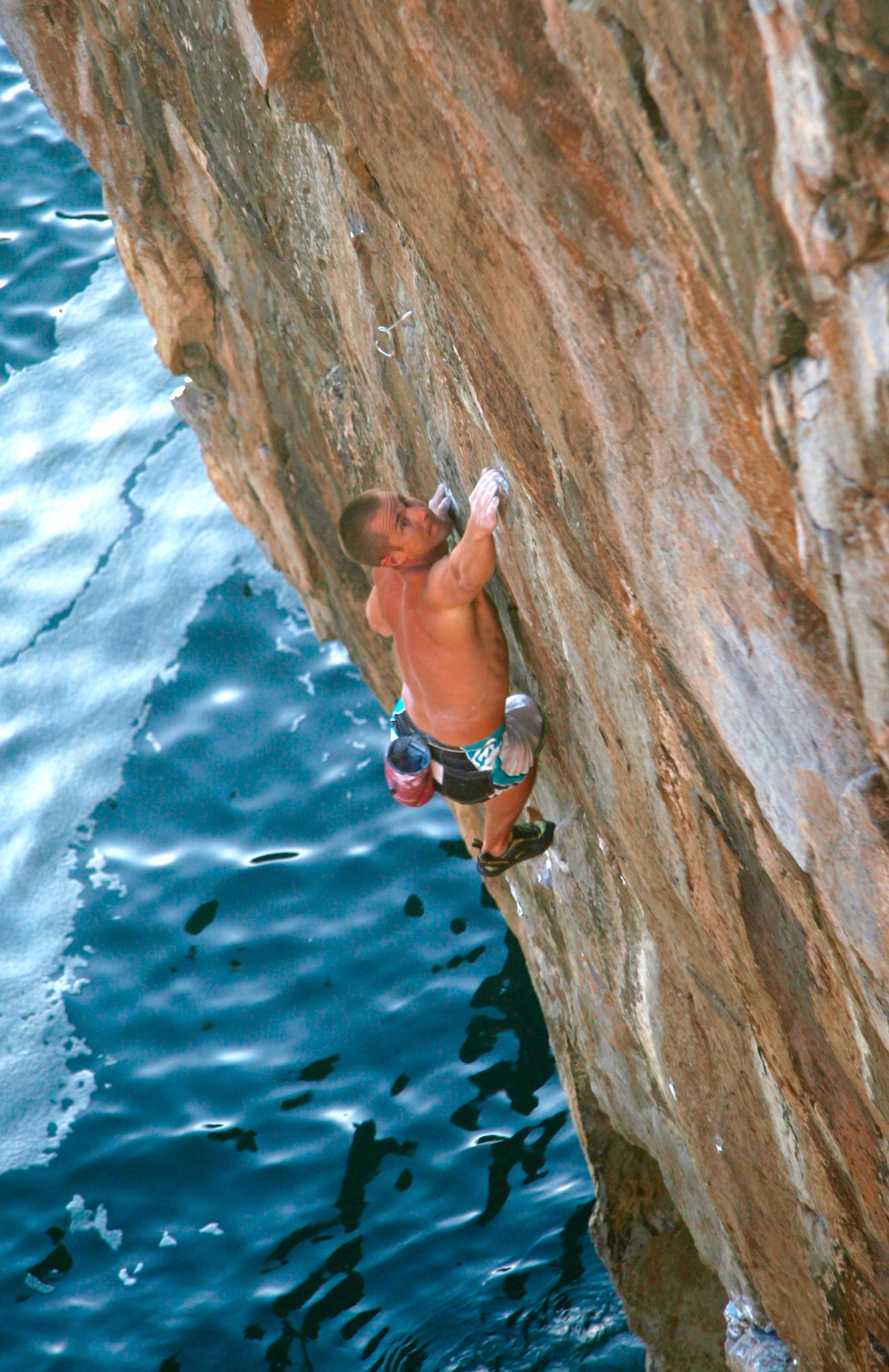 San Simeon 8a S3, Pembroke. First solo ascent.  Photo: Mike Robertson
