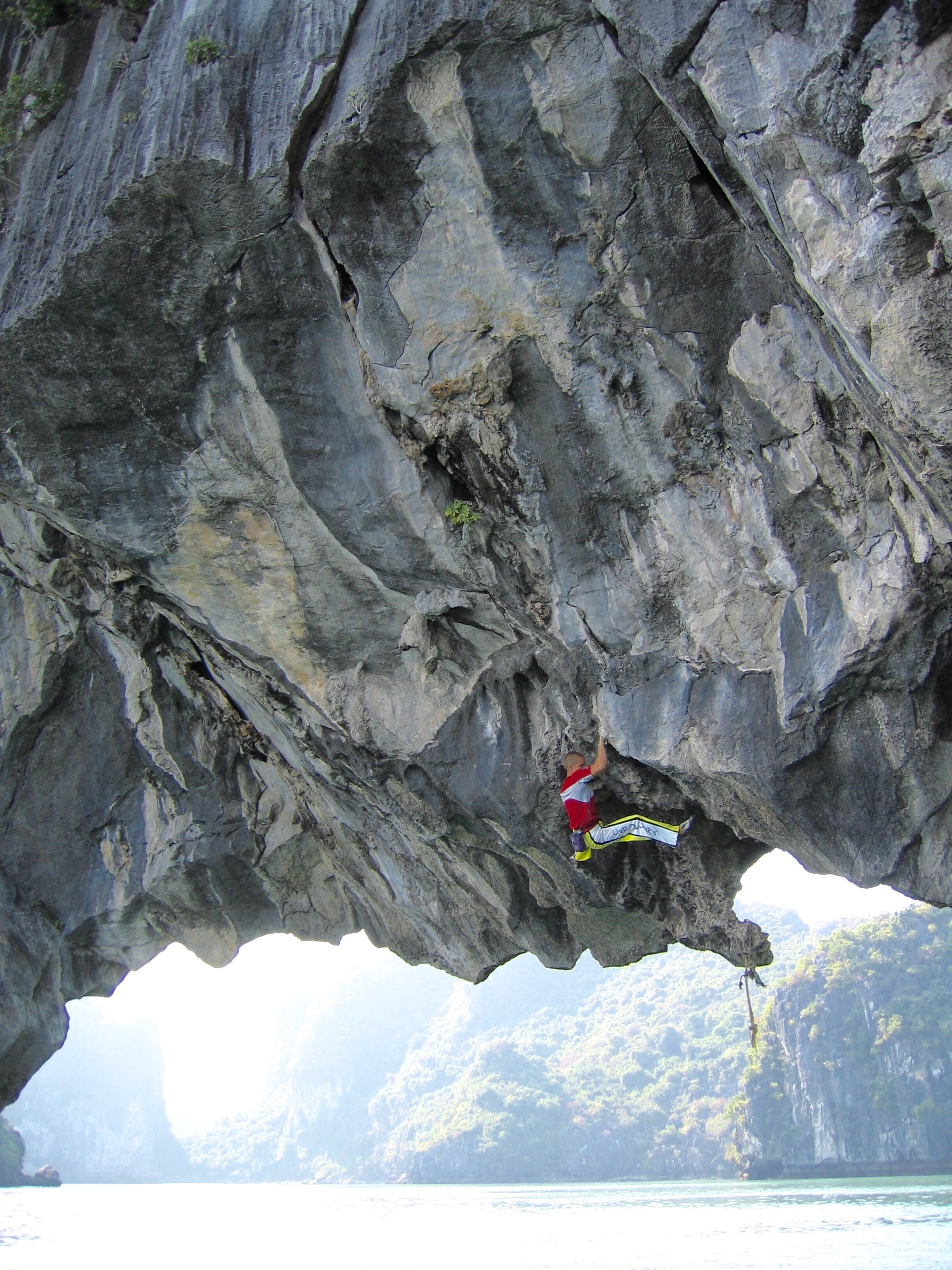 Rocking the Cat Ba 7b+. Yenngua. First ascent in 2003.  Photo: Gresham collection.