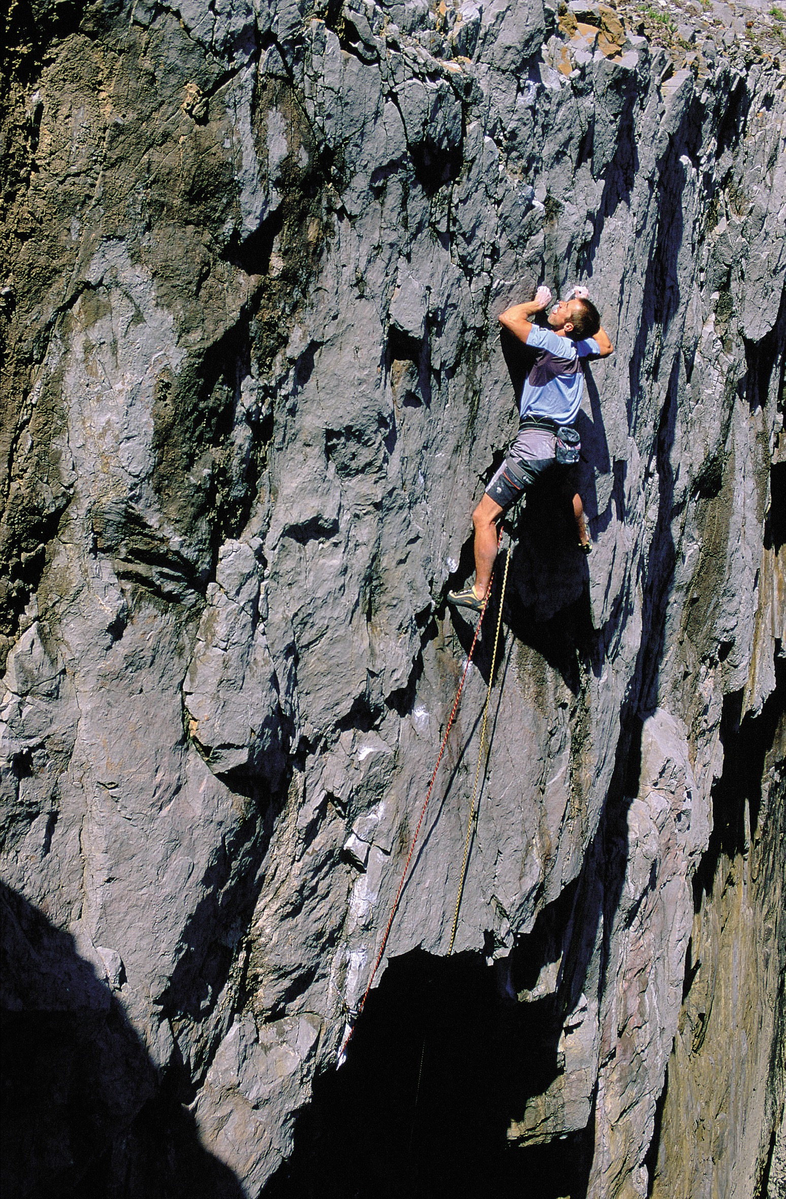 Racing very pumped arms up the headwall of Airdrawndagger E8 6c, Pembroke. First ascent in 2004.  Photo: Paul Twomey