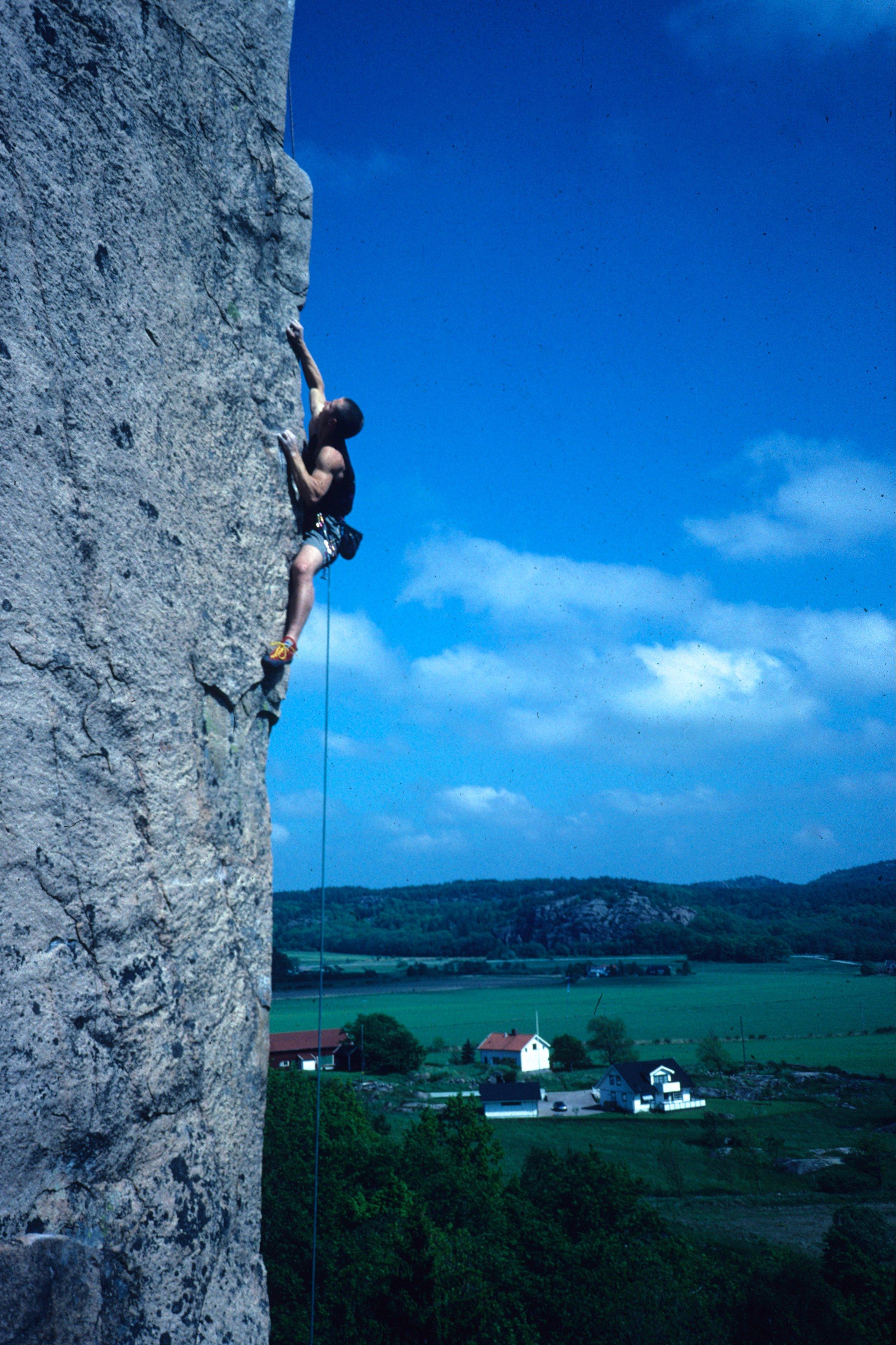 Minaret E8 6c, Halle, Sweden. Second ascent in 1999.  Photo: Gresham collection
