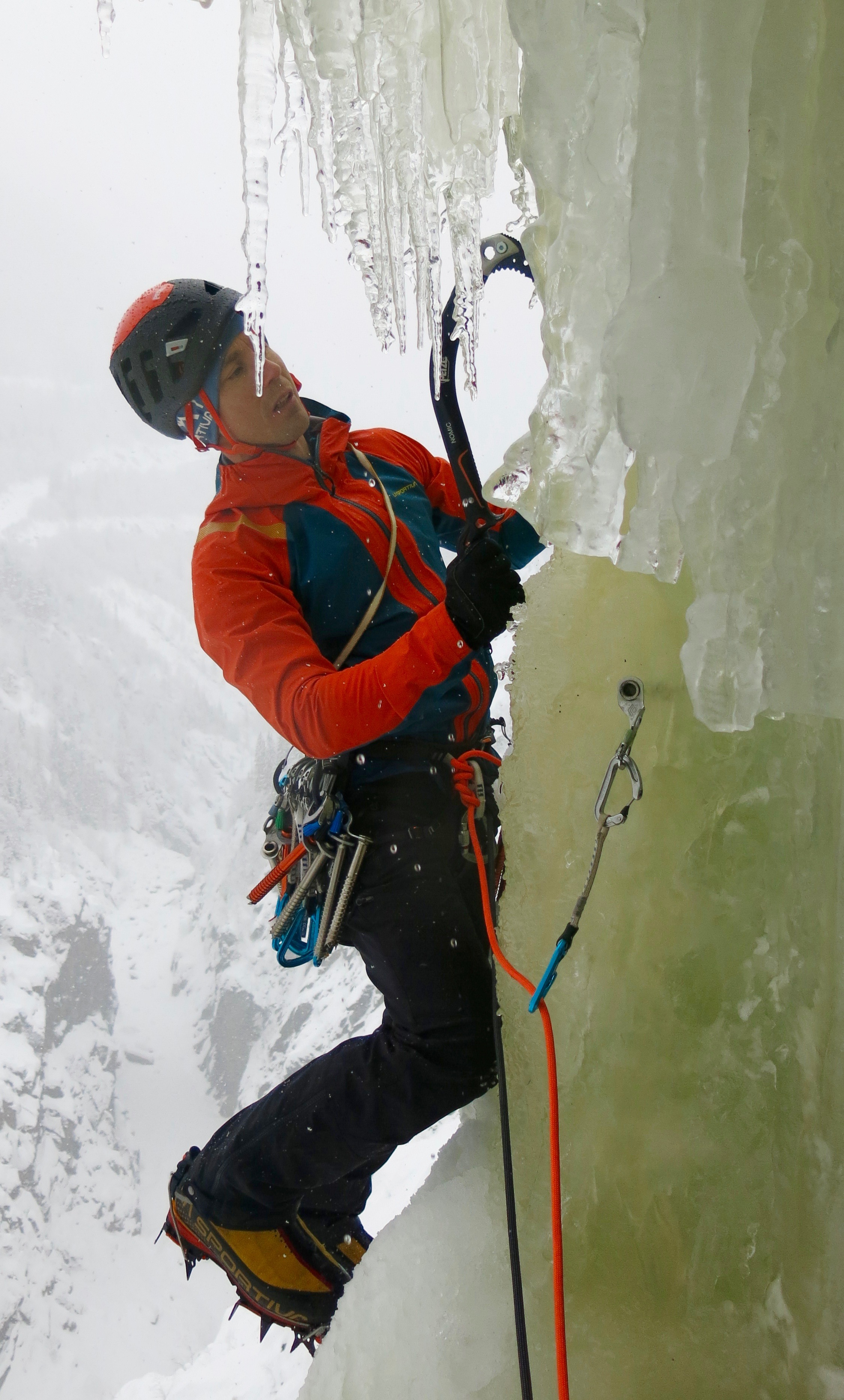 Climbing pitch 3 of Juvsoyla WI 6, in Rjukan, Norway, with Nomics. Photo: Gerard Smith