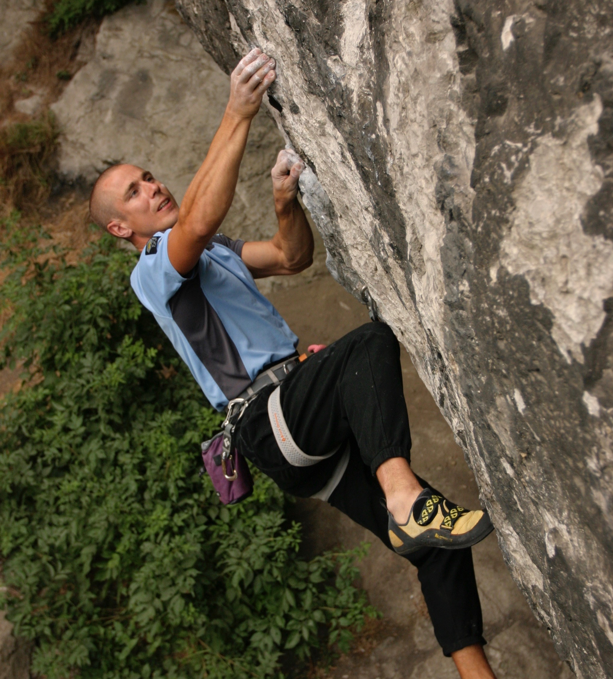 Photo: Neil on Chimes of Freedom 8a / Crux Films