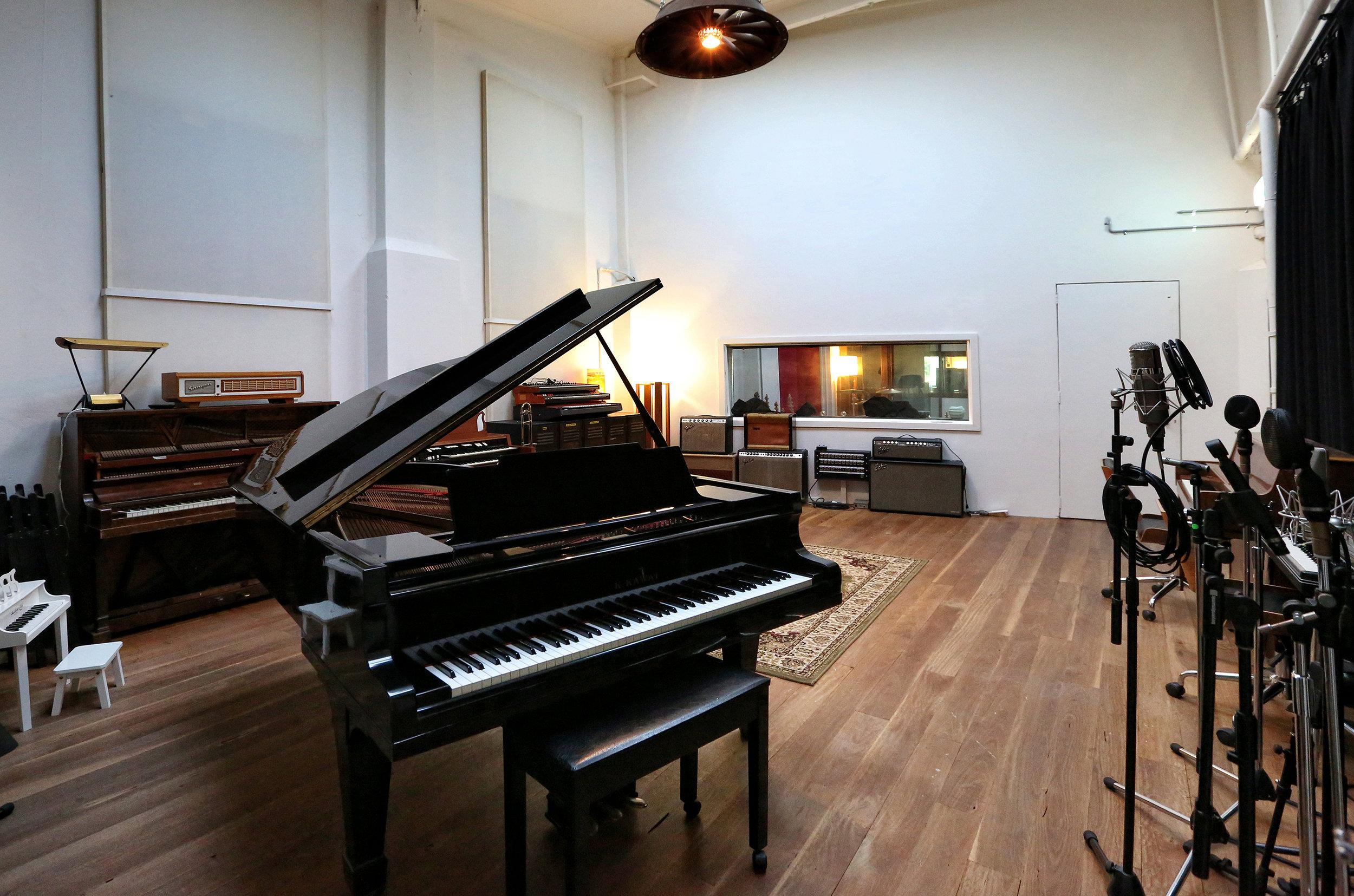 Turning Studios 003.jpg