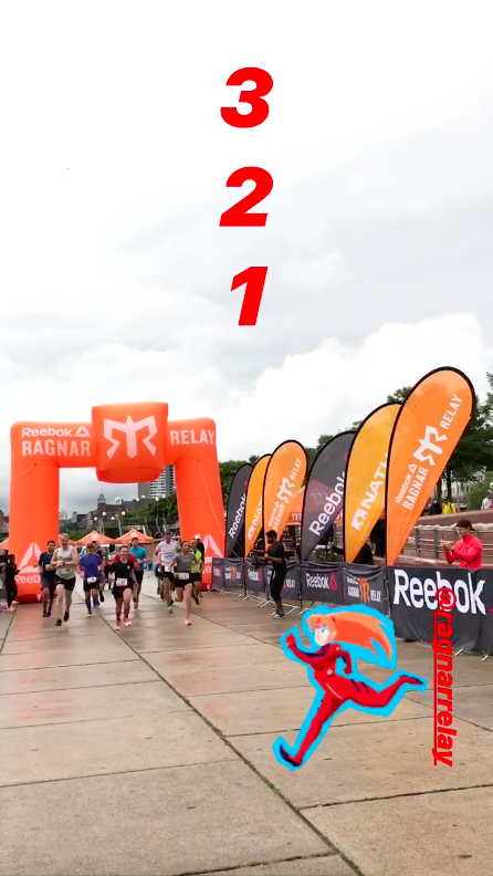 It's 2pm: 3-2-1-GO!Our first runnerstarts the relay - The start of the 24hours chrono!