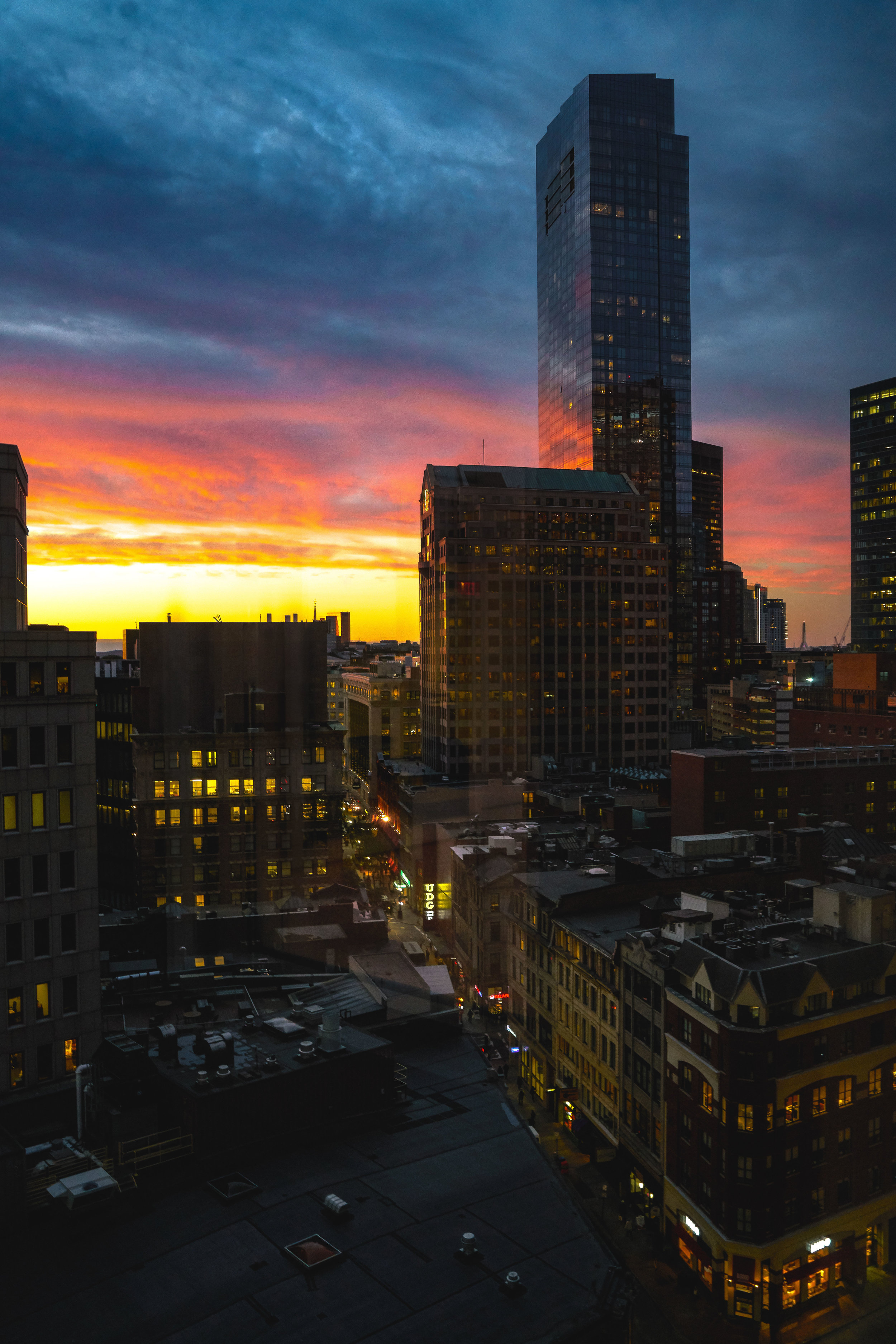 @themiclangelo - Downtown Boston, MA