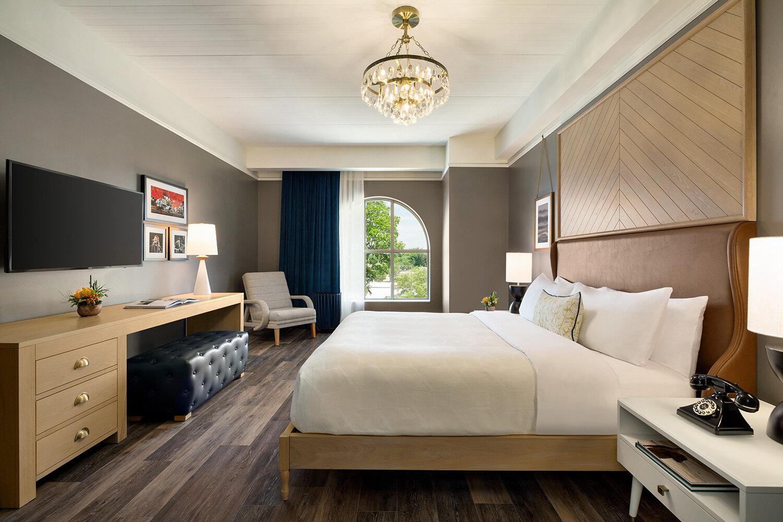 Cotton House, Cleveland, a Tribute Portfolio Hotel - 1 K Guestroom - 1397183.jpg