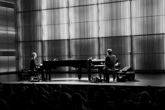 Foto: Henrik Schwarz & Hauschka via Jazzenzo.