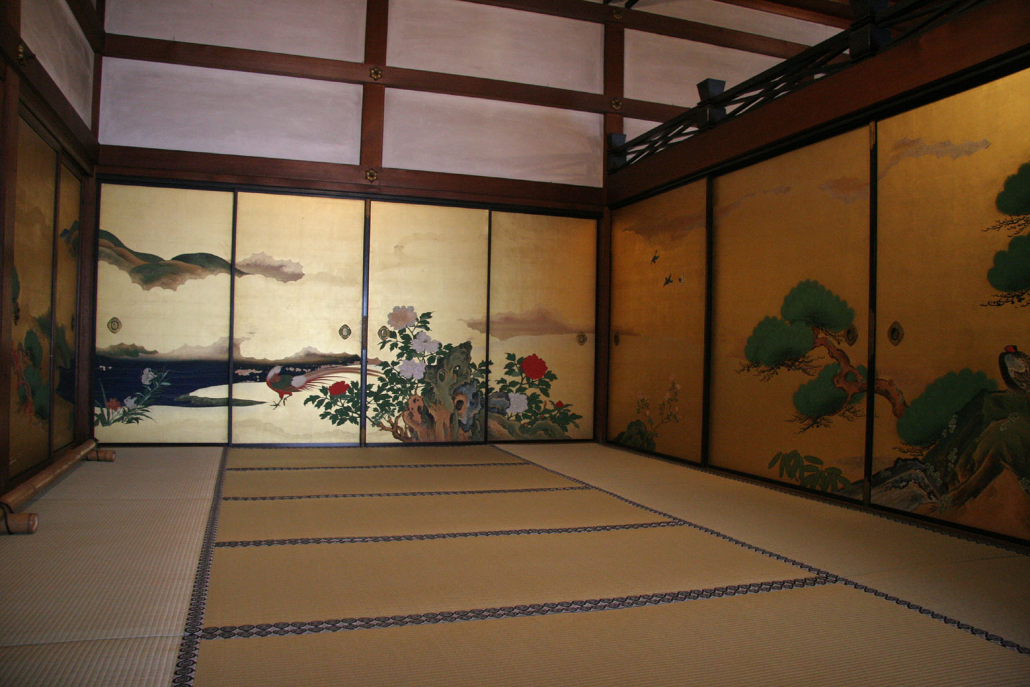 Fig.7 -  fusumaē  Kyoto Temple interior