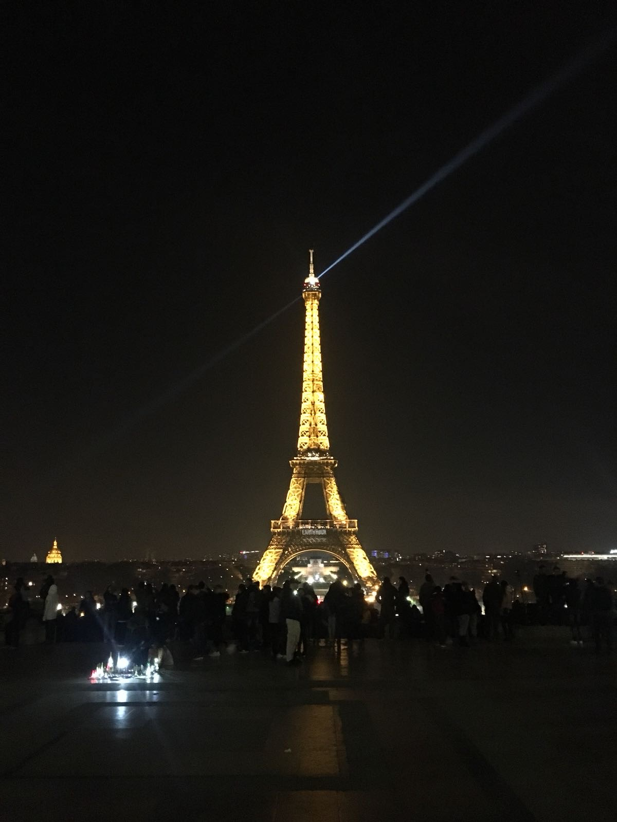 The Eiffel Tower before lights out