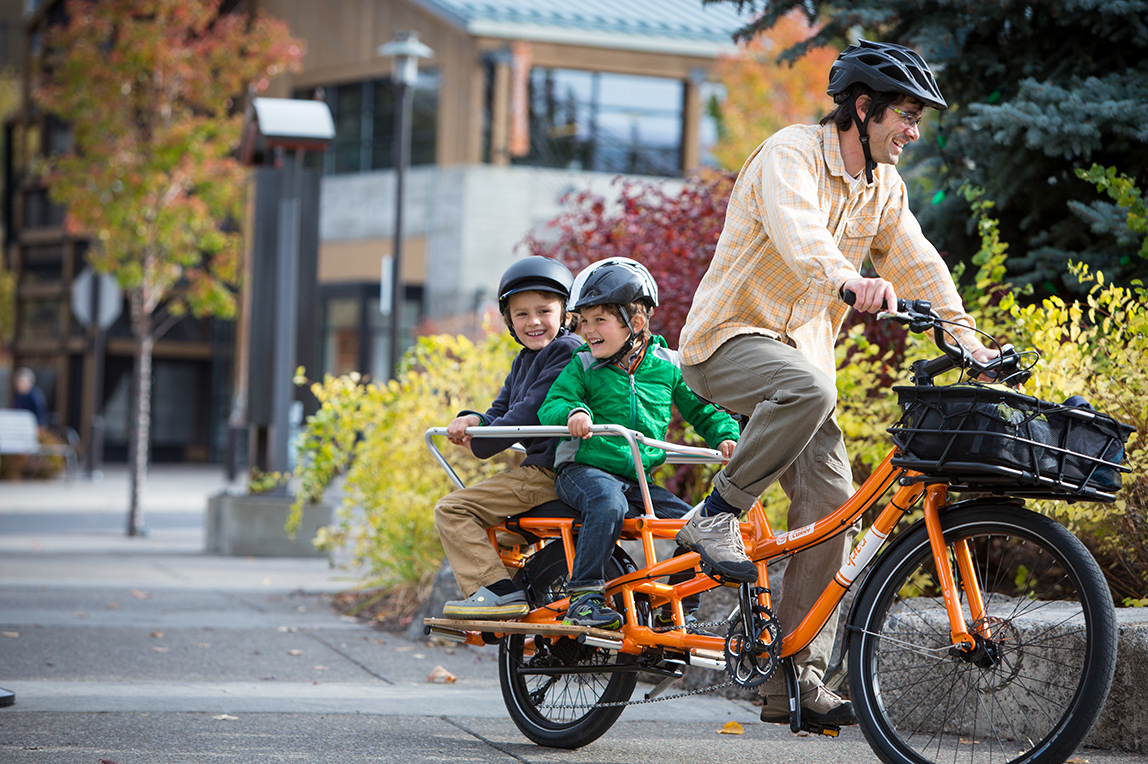 Sweet Curry cargo bike with Yuba Bread Basket, Adjustable Monkey Bars, Soft Spot seat and Bamboo Sideboards